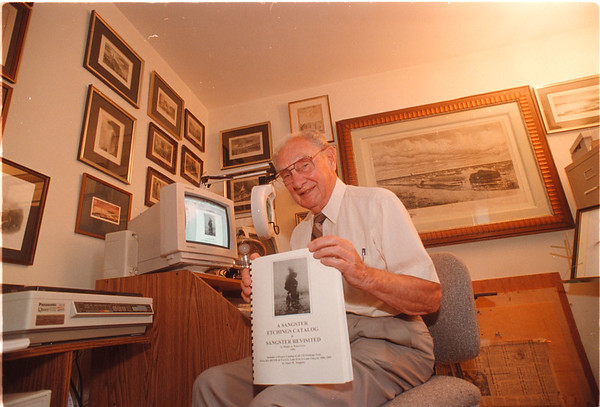 """97/08/14 Ralph A. Robertson - James Neiss Photo - Ralph A. Robertson, local author of book """" A Sangster Etchings Catalog & Sangster Revisited."""