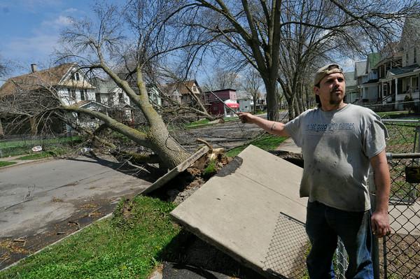 110428 wind damage8