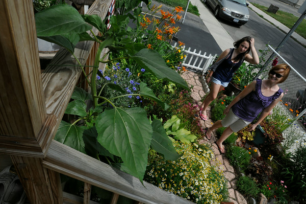 110708  Historic Garden walk2