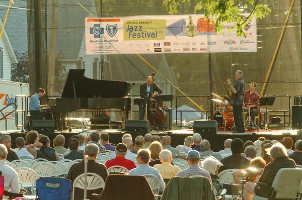 100827 Jazz Fest