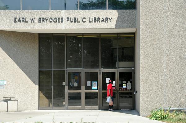 110719 Library Closed 2 - NG
