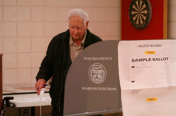 110517  school board vote