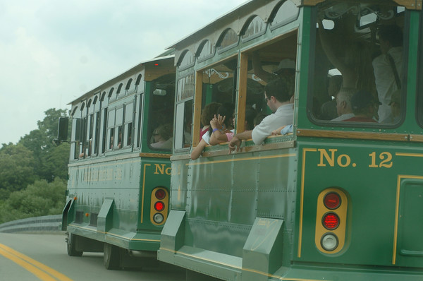 100713 trolly tour