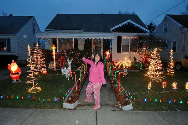 111222 Holiday Lights 1 - NG