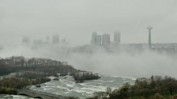 110426 3a ent/fog city