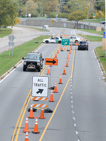 James Neiss/staff photographerNiagara Falls, NY - Cars enter and exit the Robert Moses Parkway at Devils Hole State Park. New York State Parks is releasing the results of the Project Scoping Report that may determine the fate of the north section of the Robert Moses Parkway between Lewiston and Niagara Falls.