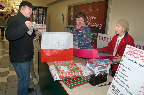 131223 Gift Wrap 1