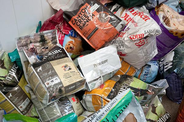 131218 Pet Food Pantry 2