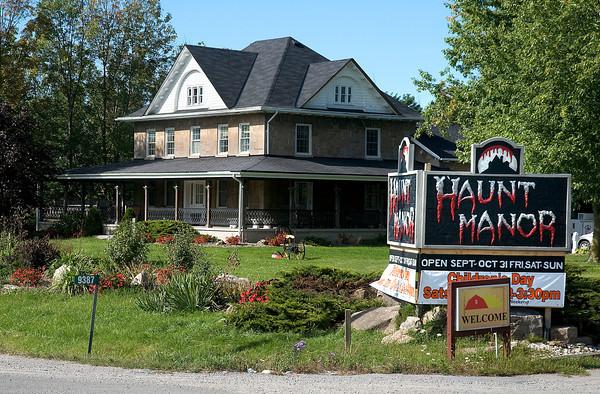 130926 Haunt Manor 15