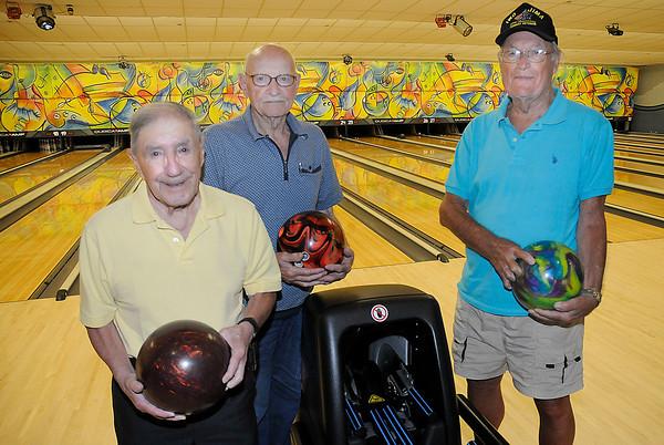 130808 Joe's Guys Bowling 2