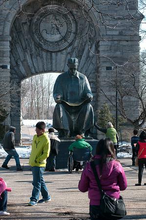 140330 Tesla Statue 4