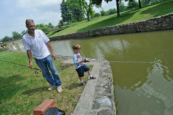 140703 Niagara Fall Fishing