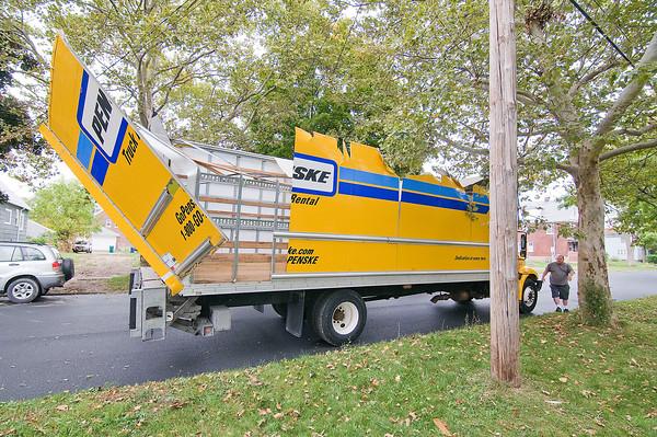 141001 Van Tree Accident 2