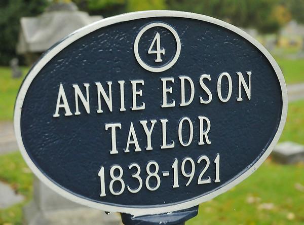 141021 oakwood cemetery 3