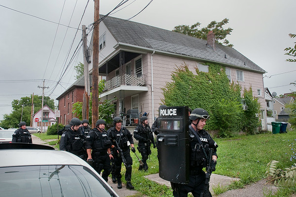 140723 Police Standoff 5