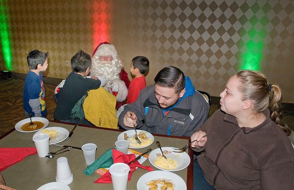 141206 NF Santa Breakfast 2