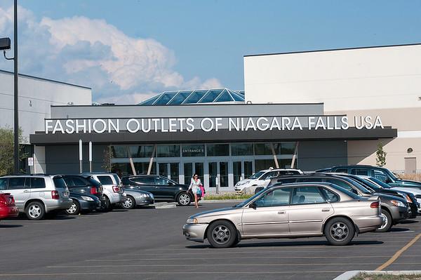 150803 CU Fashion Outlets 1