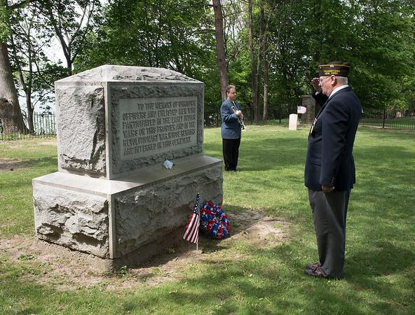 150525 Fort Niagara Service 1