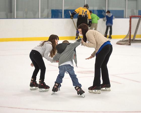 151223 NFHS Hockey Skate 1