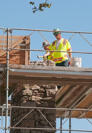 150914 Old Stone Chimney 2