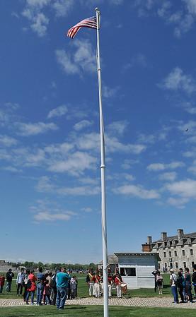 150522 Fort Niagara flag 4