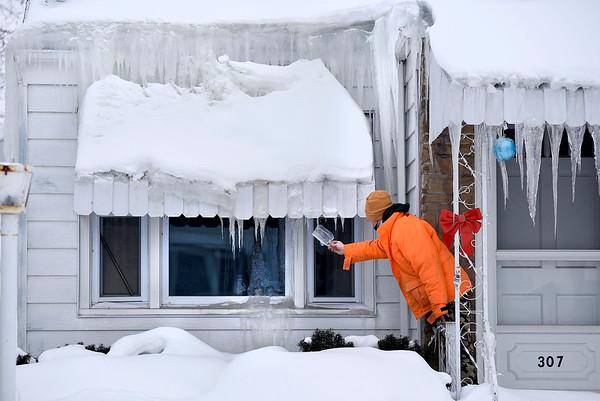 150226 Ice Dams 2