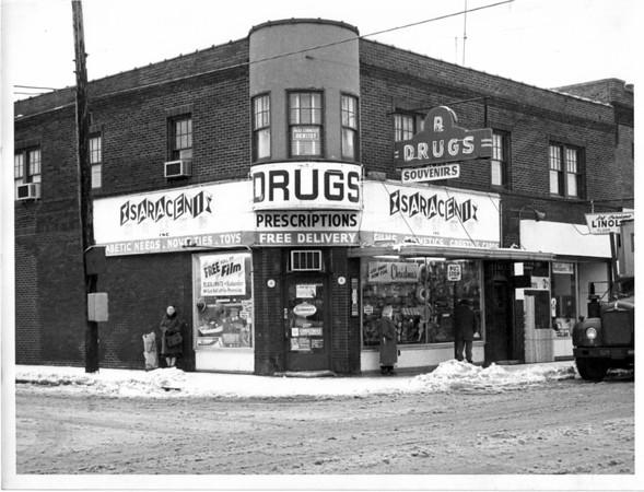 Buildings - Saraceni Drugs<br /> Photo - By Niagara Gazette - 12/4/1964.