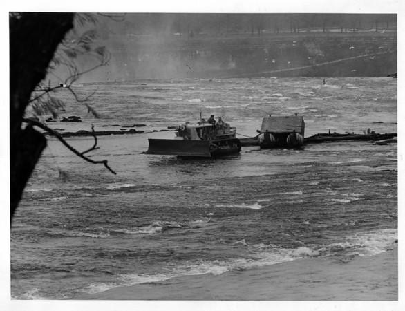 Niagara falls Remedial Work, 1966<br /> Photo - By Niagara Gazette - 11/13/1966.
