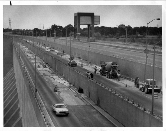 Streets - Niagara Falls<br /> Robert Moses Parkway<br /> Photo - By Andrew J. susty - 7/23/1982.