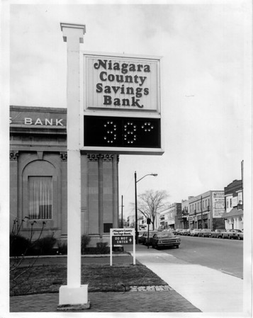 Banks - Niagara County Savings Bank<br /> Photo - By Niagara Gazette - 4/1/1977.