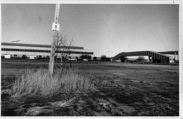 Industries - Bell Plant<br /> Bell Plant on Niagara Falls Blvd., Wheatfield.<br /> Photo - By Ron Schifferle - 12/31/1991.