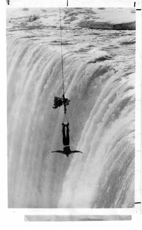 Niagara Falls, Stunters 2/7/1977? Escape Artist