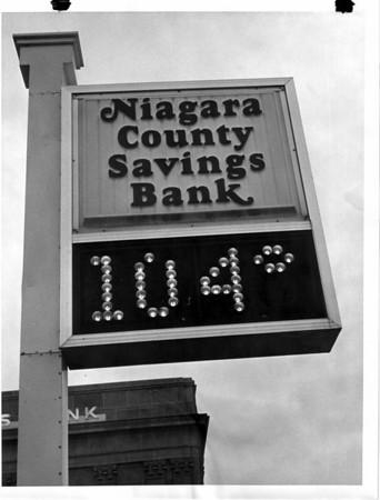 Banks - Niagara County Savings Bank<br /> Photo - L, C. Williams - 1/12/1980.