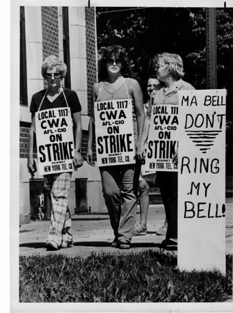 Unions - Bell<br /> Bell Telephone workers on the picket line at offices on Portage Road at Walnut Ave in the Falls.<br /> Photo - By Ron Schifferle - 8/8/1983.