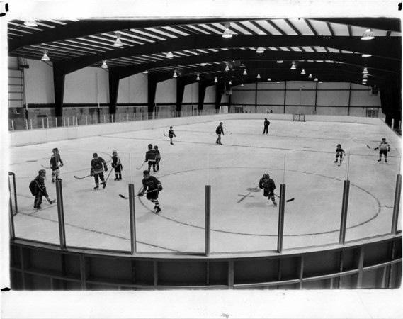 Parks - Hyde Park Ice pavilion<br /> New Ice Pavilion at Hyde Park.<br /> Photo - By Niagara Gazette - 3/25/1975.