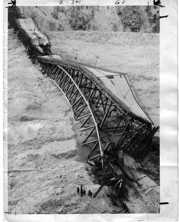 Honeymoon Bridge Collapse Jan 28, 1938