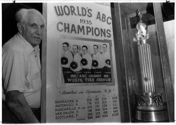 Sports - Bowling<br /> Photo - By Dan Shunsda 10/26/1982.