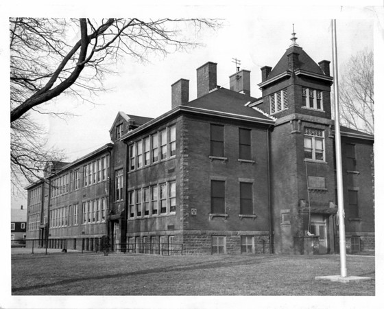 Schools - Cayuga Island School<br /> Photo - By L. C. Williams - 2/26/1976.