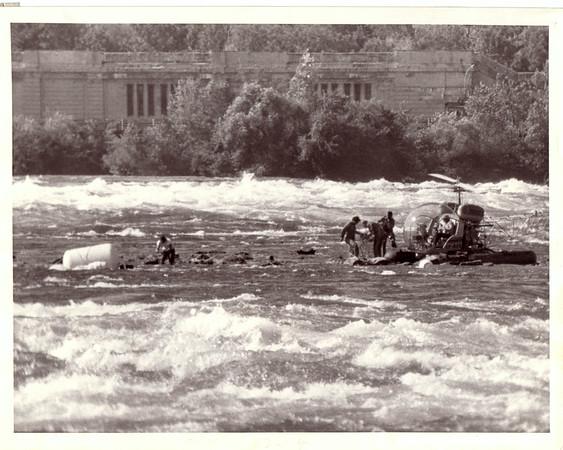 Niagara Falls, Stunters, Hetenyi - Helicopter rescue.