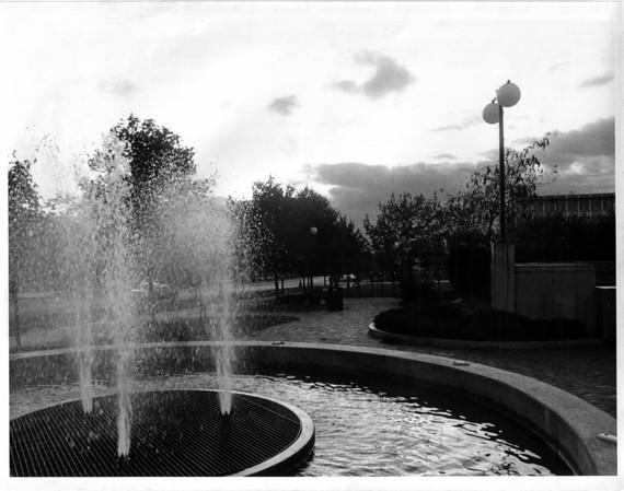 Parks - Niagara County Savings bank Common<br /> Niagara County Savings Bank Common<br /> Photo - By Niagara Gazette.