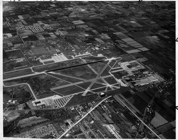 Airports<br /> Niagara Falls Airport<br /> Photo - By Bell Aerosystems Company - 3/15/1966.