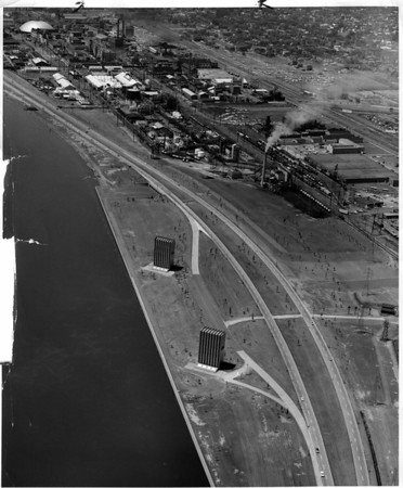Streets - Niagara Falls<br /> Robert Moses Parkway<br /> Photo - By Power Authority of the State of New York - 7/5/1966.