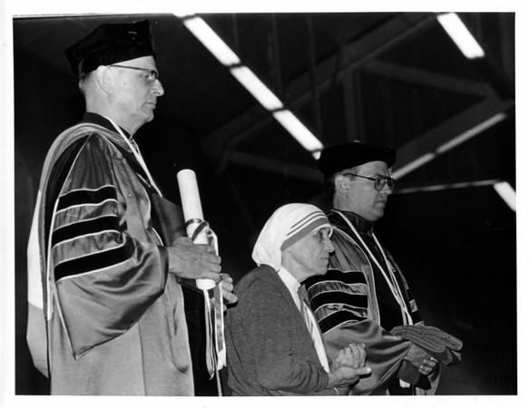 Religion - Mother Theresa<br /> Mother Theresa visits Niagara University.<br /> Photo - By Joe Eberle - 5/31/1982.