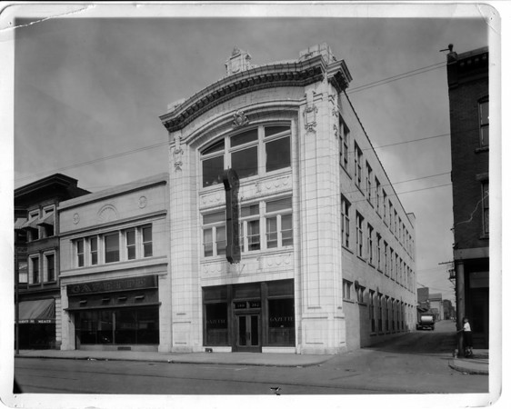 Niagara Gazette Building - About 1925