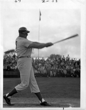 Sports - Frank Howard<br /> Washington Senetors<br /> HR contest Hyde Park Stadium 1968.<br /> Howard was AC homerun leader.<br /> Photo - Niagara Gazette - 1968.