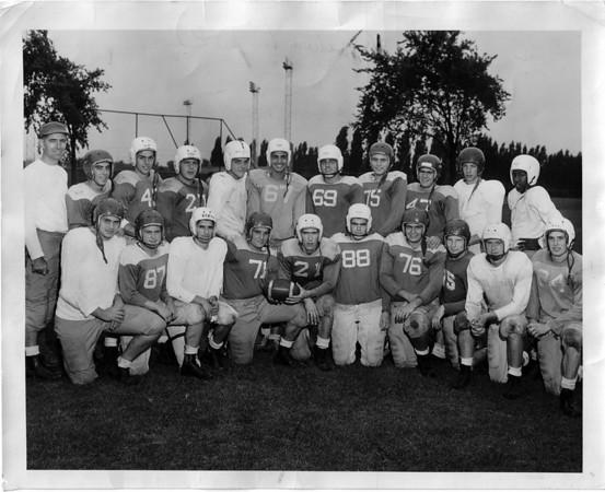 Sports - Football<br /> Photo - By Niagara Gazette.