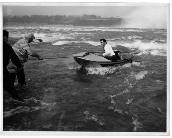 Niagara River, Rescue, Helicopter Crash - May 17, 1950