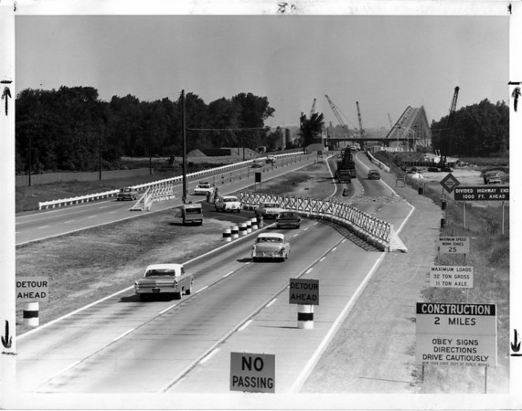Streets - Niagara Falls<br /> Robert Moses Parkway<br /> Photo - By Niagara Gazette - 7/2/1963.