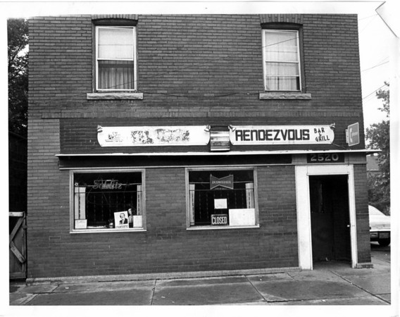 Buildings - Niagara Falls<br /> Rendezvous Bar & Grill<br /> 2520 Highland Ave.<br /> Photo - By L. C. Williams - 8/28/1979.