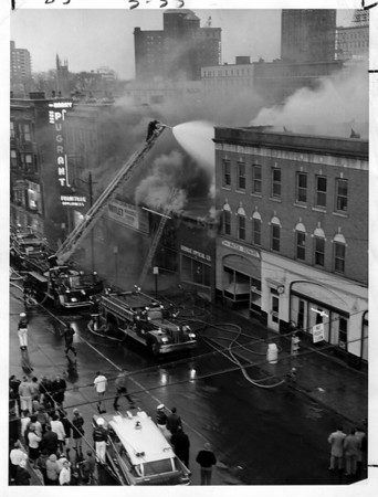 Buildings - Imperial Hotel<br /> Imperial Hotel fire.<br /> Photo - By Niagara Gazette - 7/13/1971.